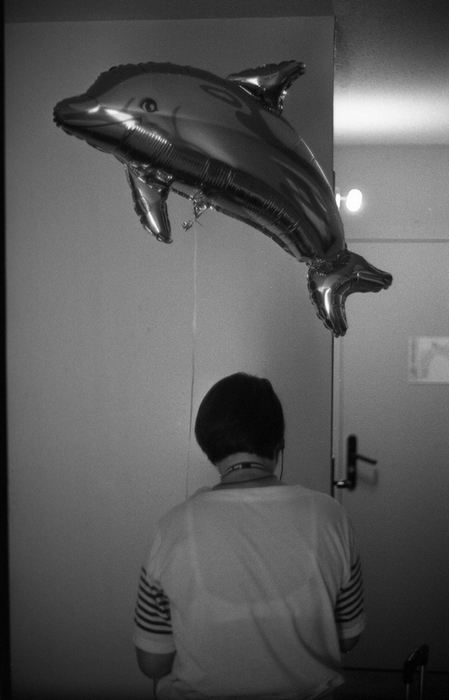H. dans sa chambre