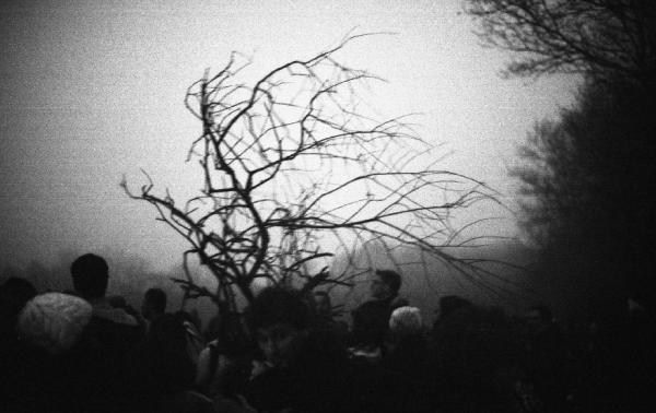 Après la réunion, brouillard de lacrymo, ouvrir les barricades pour le ravitaillement