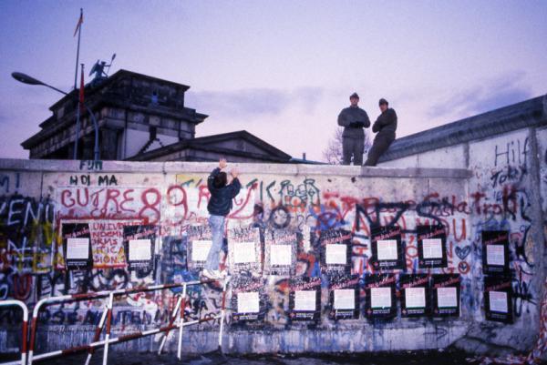 A Berlin, au pied du mur. Jeudi 16 Novembre 1989, en fin d'après-midi