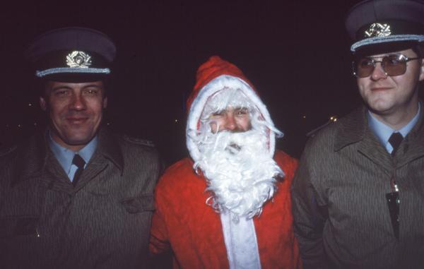 L'Etrange Noël du Mur de Berlin. Jeudi 16 Novembre 1989, soir