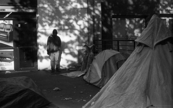 PARIS  3 NOV 2016  Avant l'évacuation du campement de 2011 personnes AVENUE DE FLANDRE à STALINGRAD